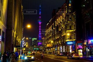 中国 上海 南京東路の美しい夜景の写真・画像素材[4642021]