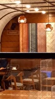 コロナ渦の喫茶店の写真・画像素材[4687463]