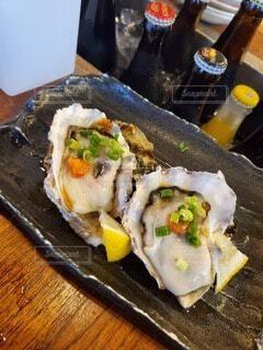 テーブルの上に寿司を食べるの写真・画像素材[4758764]