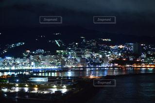 夜の街の景色 - No.713379