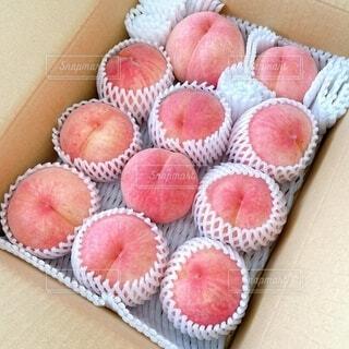 とっても綺麗な桃が届きました🍑の写真・画像素材[4757540]