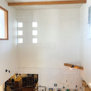 シンクと窓のある台所の写真・画像素材[3041996]