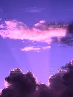 薄明光線の写真・画像素材[4759712]