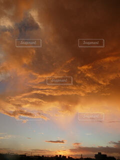 幻想的な朝焼けの写真・画像素材[4759708]