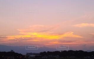 日没直後の夕焼けの写真・画像素材[4799105]