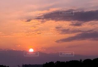 日没と夕焼けの写真・画像素材[4799106]