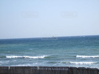 海の隣にある水の体の写真・画像素材[4582367]