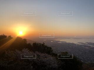 摩耶山の朝日の写真・画像素材[4594640]