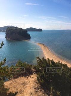 海の中に現れる砂浜の道の写真・画像素材[4620409]