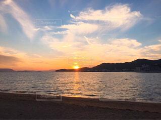 海から見える夕暮れの写真・画像素材[4620414]
