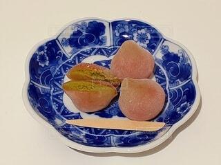 豆皿の上の和菓子の写真・画像素材[4609717]