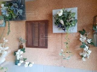 壁掛けの花のインテリアの写真・画像素材[4650310]