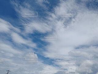 広がる空青い空白い雲の写真・画像素材[4618772]