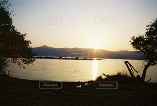 沈む夕日の写真・画像素材[4617560]
