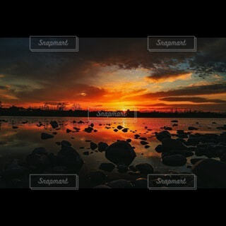 沈む夕日の写真・画像素材[4722311]