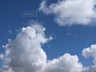 青空の雲の写真・画像素材[4754577]