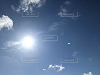 まぶしい光の写真・画像素材[4755177]