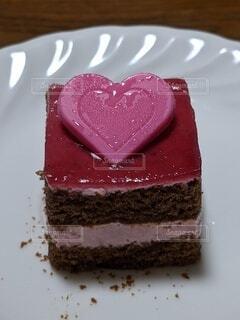お皿の上のケーキの写真・画像素材[4769380]