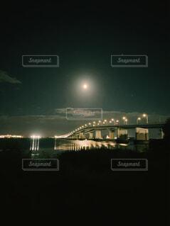 夜の琵琶湖大橋の写真・画像素材[4830230]