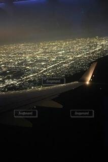 夜のフライトの写真・画像素材[4650078]