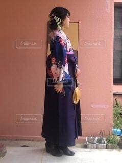 袴を着た女性の写真・画像素材[4873429]