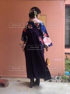 袴を着た女性の写真・画像素材[4873427]