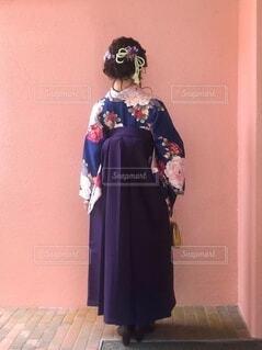 袴を着た女性の写真・画像素材[4873432]