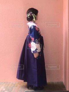 袴を着た女性の写真・画像素材[4873433]