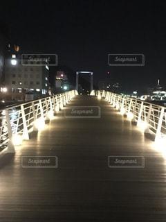 ライトアップされた橋 - No.1200595