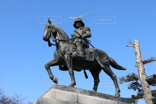 馬に乗る人の像の写真・画像素材[1213539]