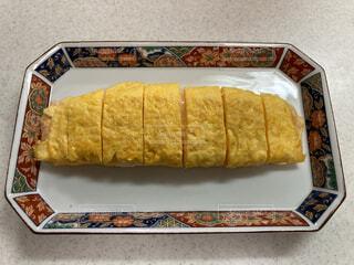 皿の上のパンの写真・画像素材[4654369]