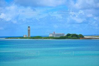 青空と青い海の写真・画像素材[4651232]