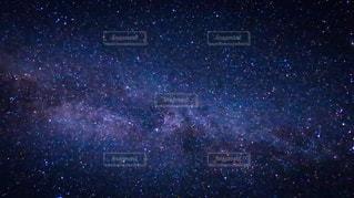 夜空と夜景の写真・画像素材[214759]