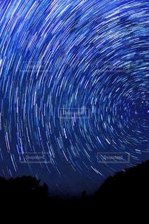 夜空と夜景の写真・画像素材[214760]