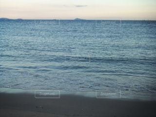 夕方の海の写真・画像素材[213221]