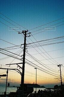電柱の影の写真・画像素材[4659004]