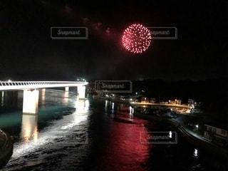 橋と花火の写真・画像素材[1402638]