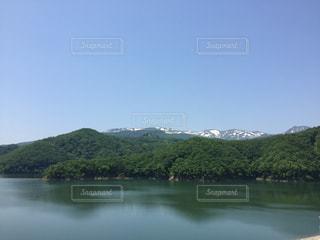 胆沢ダムと奥羽山脈の写真・画像素材[1237180]