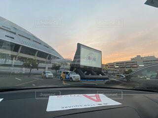 駐車場に駐車している車の写真・画像素材[3970120]