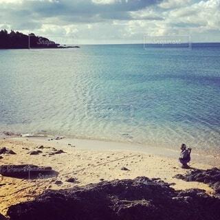 浜辺の彼女の写真・画像素材[4679126]