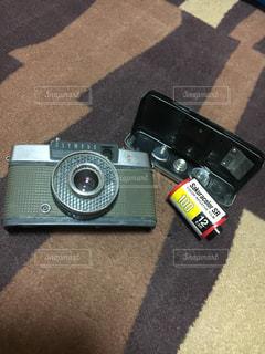 実家で古いカメラを見つけました!これからは私が大切に使いたいです。の写真・画像素材[726327]