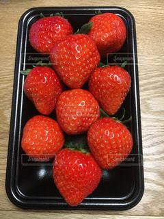 大きいイチゴ!の写真・画像素材[990138]