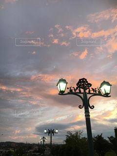 夕暮れと街頭!の写真・画像素材[1427113]