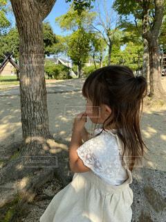 公園でのおやつタイムの写真・画像素材[4688489]