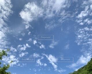 山奥の空の写真・画像素材[4715060]