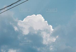 青空と大きな雲の写真・画像素材[4696394]