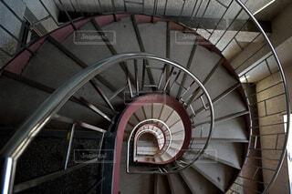 螺旋階段の写真・画像素材[4718060]