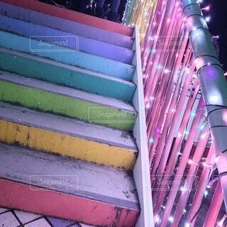 カラフルな階段の写真・画像素材[4696854]