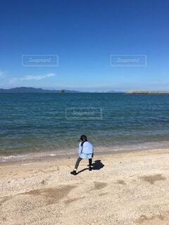 海辺で遊ぶの写真・画像素材[4714613]
