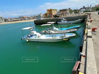 漁港と船の写真・画像素材[4709600]